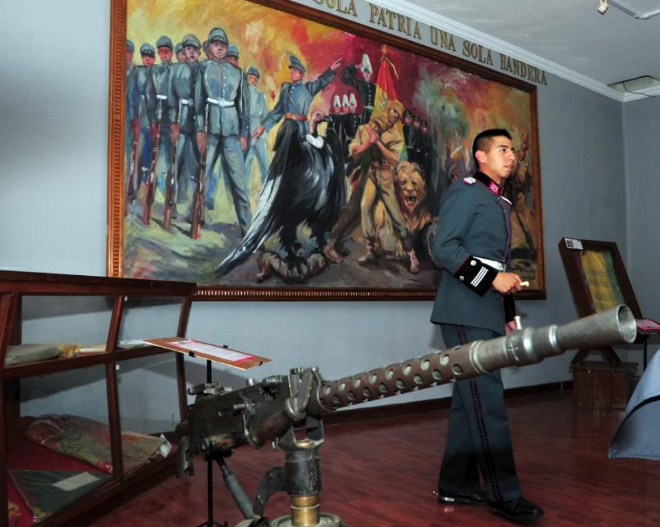 Boltur y Mi Teleferico Museo Militar del Ejercito 20