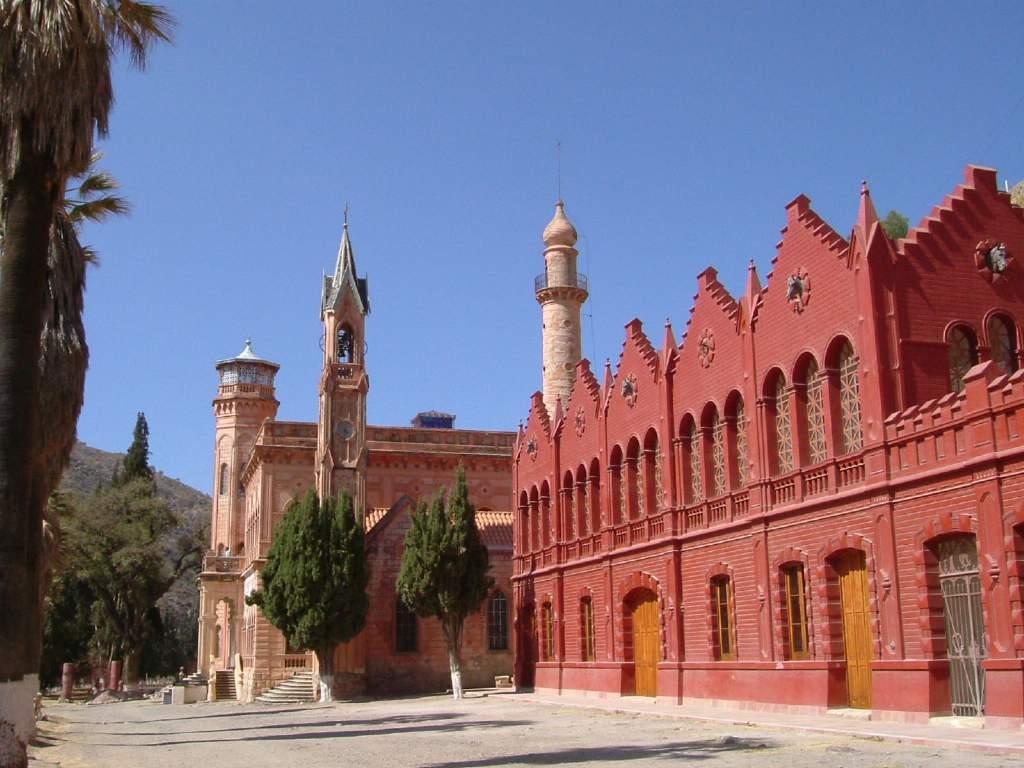 Castillo_del_Principado_de_La_Glorieta_Sucre_Bolivia
