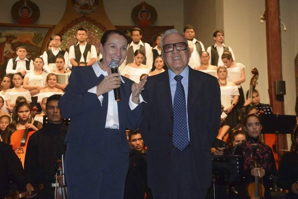 Premiación a Marcelo Arauz (3)