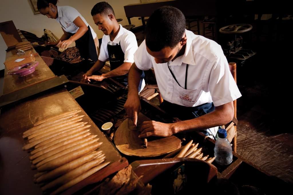 En esta región se encuentran la mayoría de las grandes plantaciones de tabaco y fábricas de cigarros, por lo que aquí, la tradición de los cigarros finos sigue siendo muy fuerte.