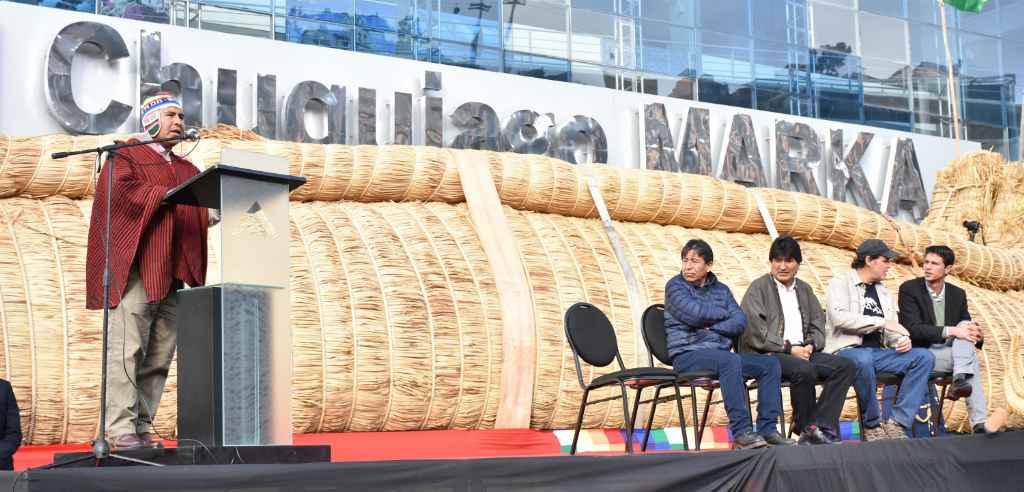 Autoridades despidieron en un acto especial al Viracocha III que surcará  el Océano Pacífico el próximo mes de marzo.